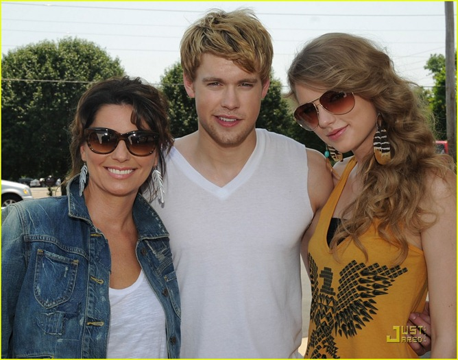 chord-overstreet-is-brad-pitt-in-thelma-and-louise-spoof-04