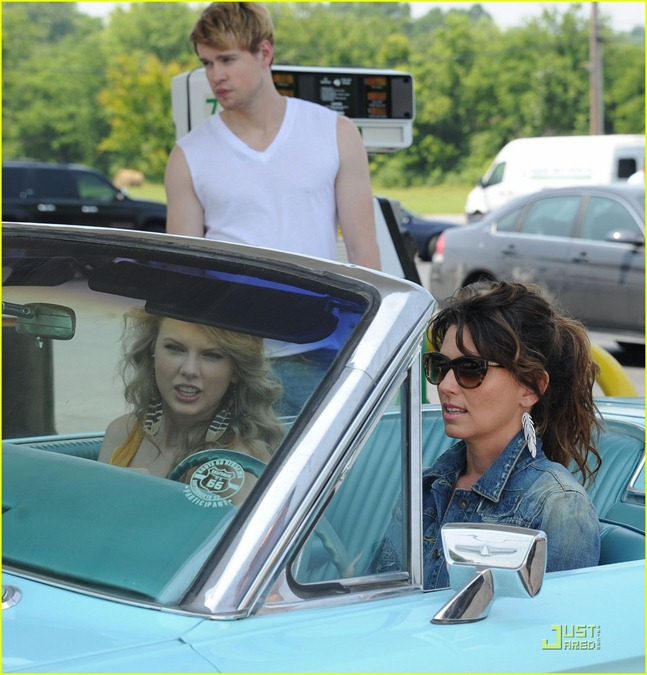 chord-overstreet-is-brad-pitt-in-thelma-and-louise-spoof-05
